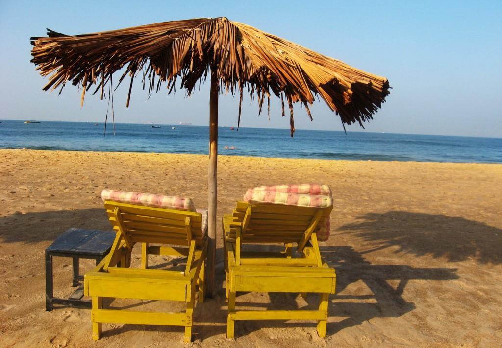 beach-chair-2-1250875-1279x888-1024x711